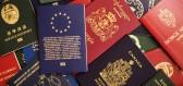 Čtyři barvy cestovních pasů provází zvláštní symbolika