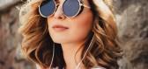 Sluneční brýle na scéně: trendy, které by neměly chybět ve vaší sbírce