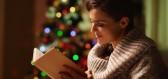 Nalaďte se na Vánoce pomocí knih svánoční atmosférou