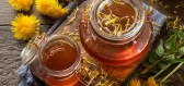 Pampeliškový med a sirup patří mezi největší jarní lákadla