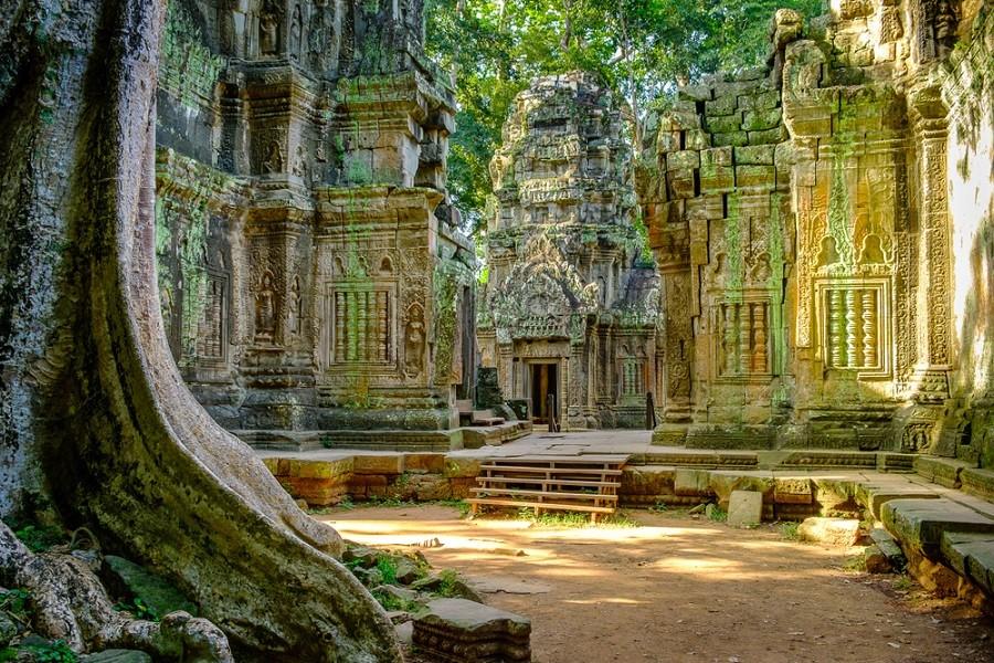 Chrámy v Khmerské říši
