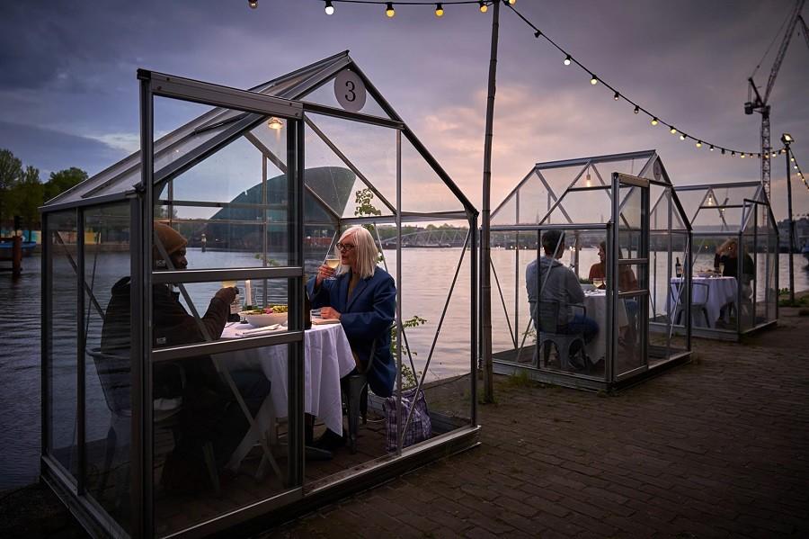Restaurace ve skleníku