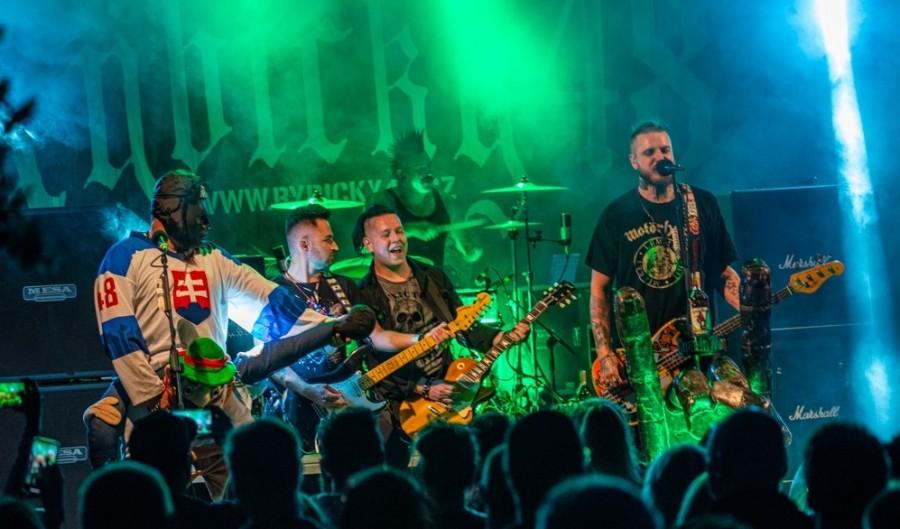 Koncert kapely Rybičky 48
