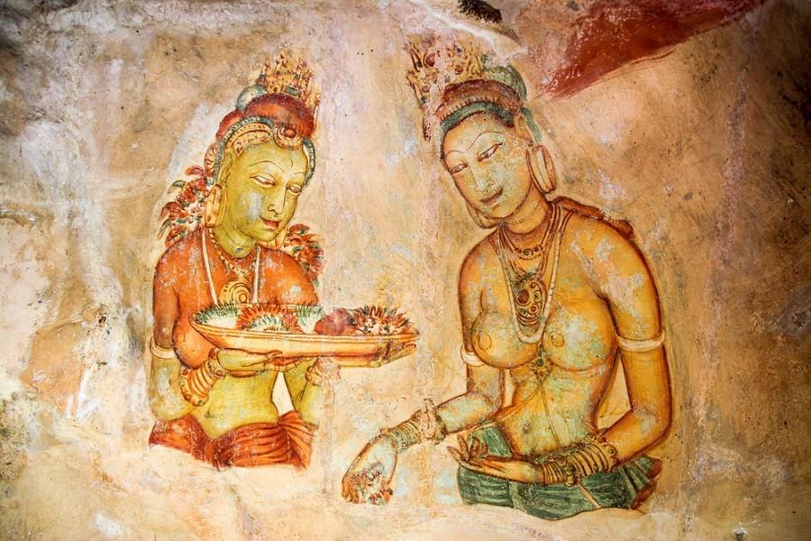 Fresky zdobící zdejší stěny