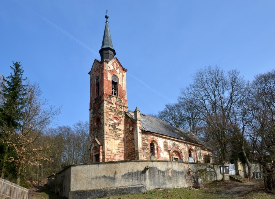 Kostel v Lukové