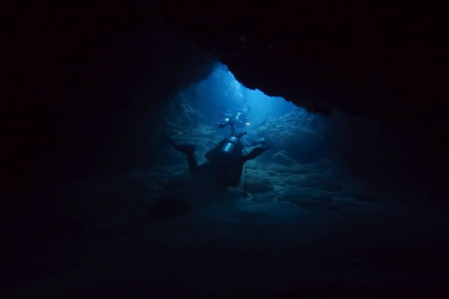 Zkoumání v jeskyni