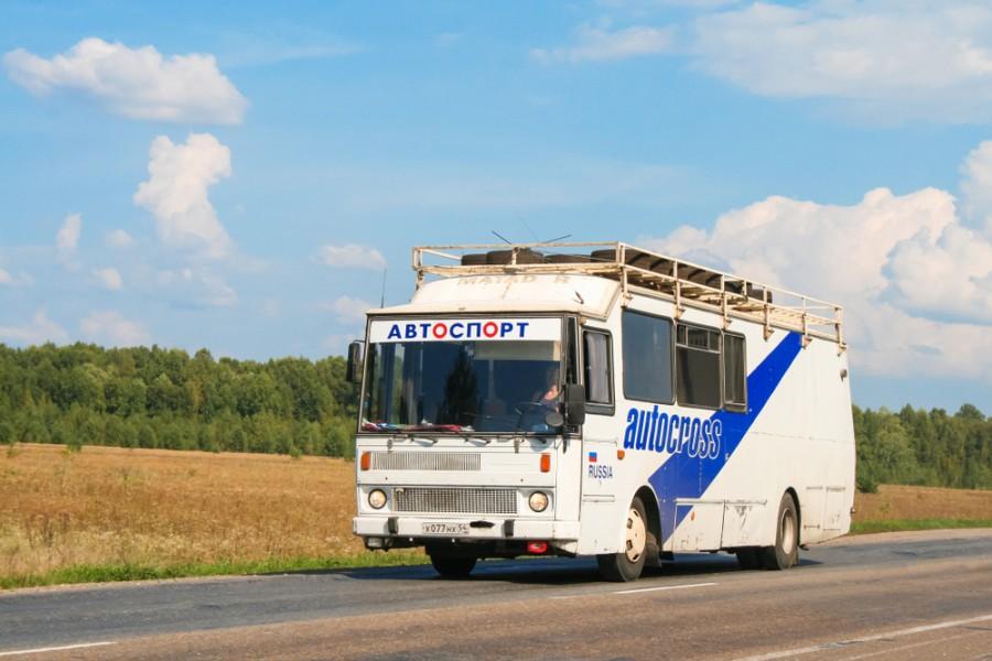 Speciálně upravená karosa řady 700 v Rusku